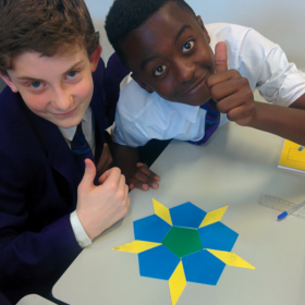 Maths having fun with Penrose Tiling!